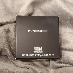 MAC Cosmetics Mineralize Foundation NC30
